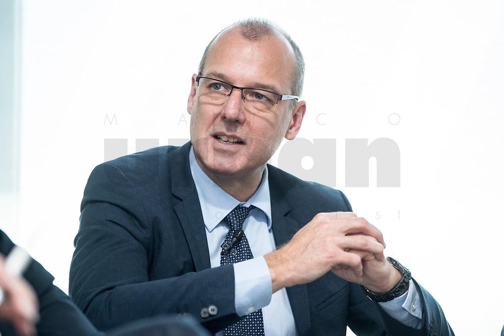 """18 AMY 2017, BERLIN/GERMANY:<br /> Dr. Werner Goetz, Vorsitzender der Geschäftsfuehrung der TransnetBW GmbH, Veranstaltung des Wirtschaftsforums der SPD """"Netzausbaualternativen"""", EnBW Hauptstadtrepräsentanz<br /> IMAGE: 20170518-01-070<br /> KEYWORDS: Werner Götz"""