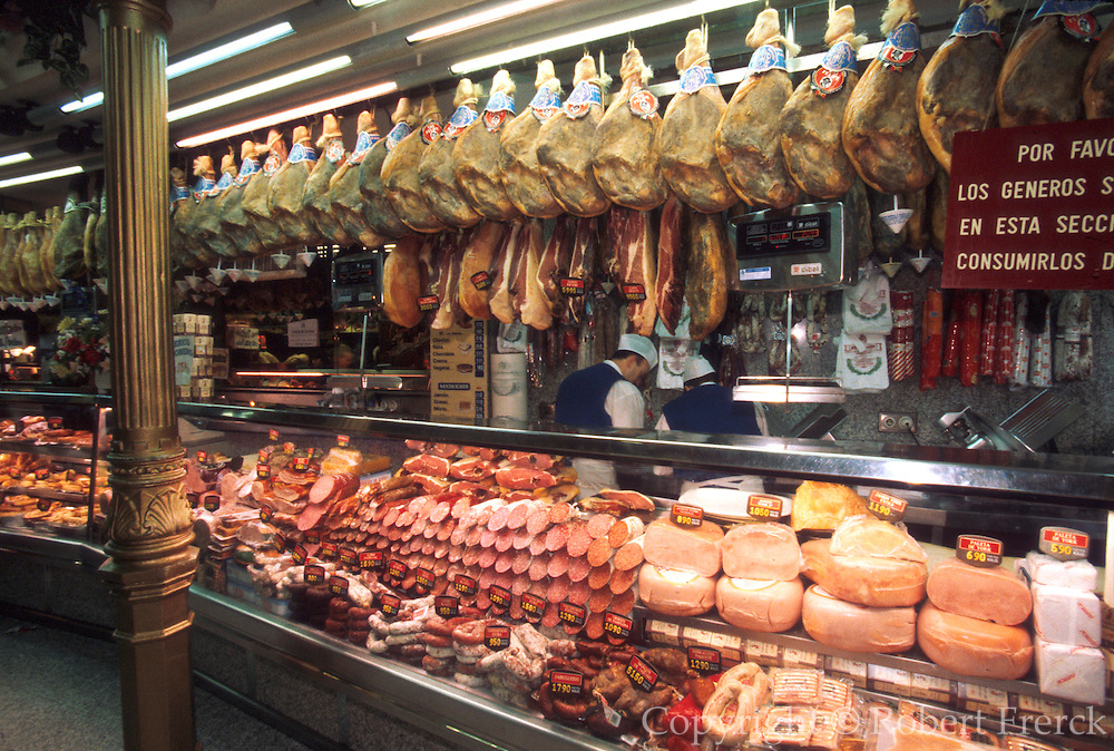 SPAIN, MADRID, SHOPPING Museo de Jamon (Museum of Ham)