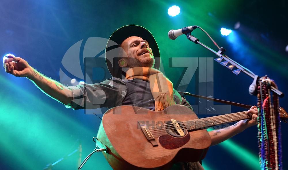 SAO PAULO SP, 17.08.2013 -  Show do Nando Reis   durante o 4º Festival Nova Brasil FM, realizado neste sabado 17, no Espaço Anhembi em  Sao Paulo,  (FOTO: ALAN MORICI / BRAZIL PHOTO PRESS).