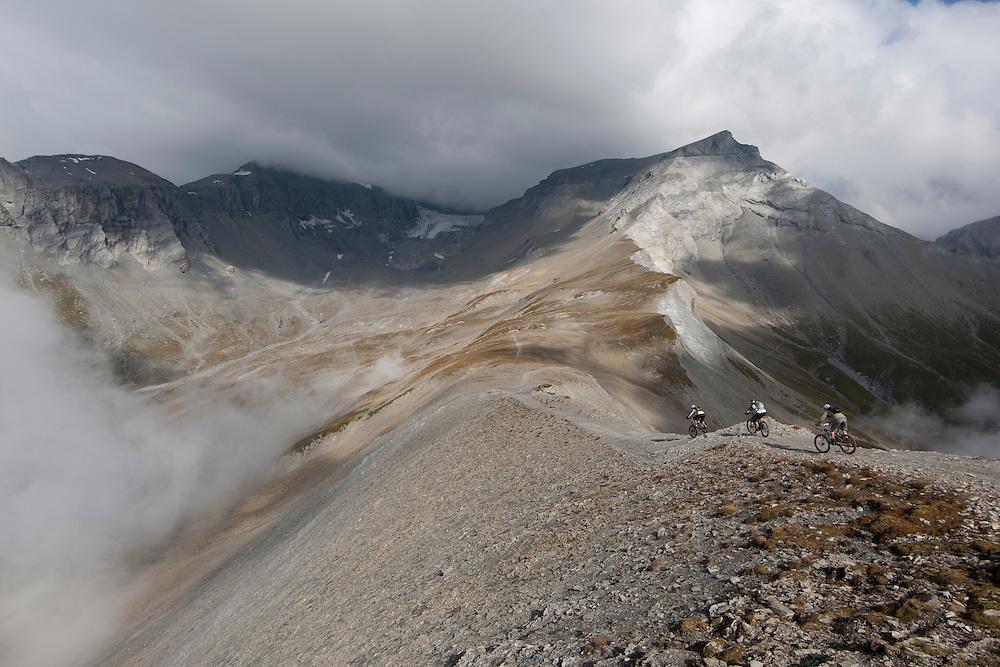Rider: René Wildhaber, Katja Rupf and Ross Schnell.Location: Flims (Switzerland)