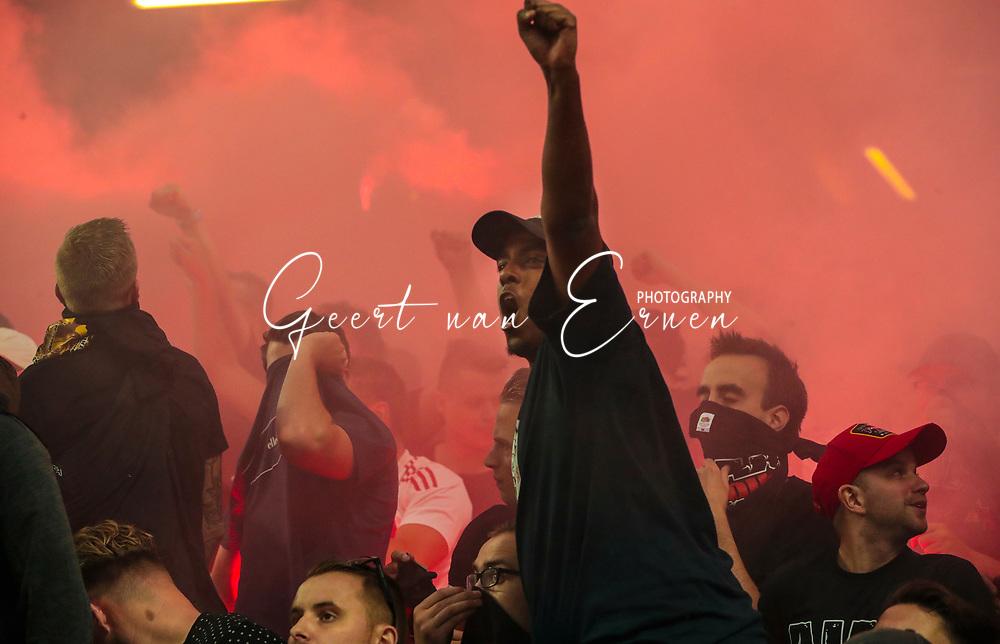 24-05-2017 VOETBAL:AJAX - MANCHESTER UNITED:FINALE:STOCKHOLM<br /> <br /> Supporters van Ajax met vuurwerk <br /> <br /> Foto: Geert van Erven