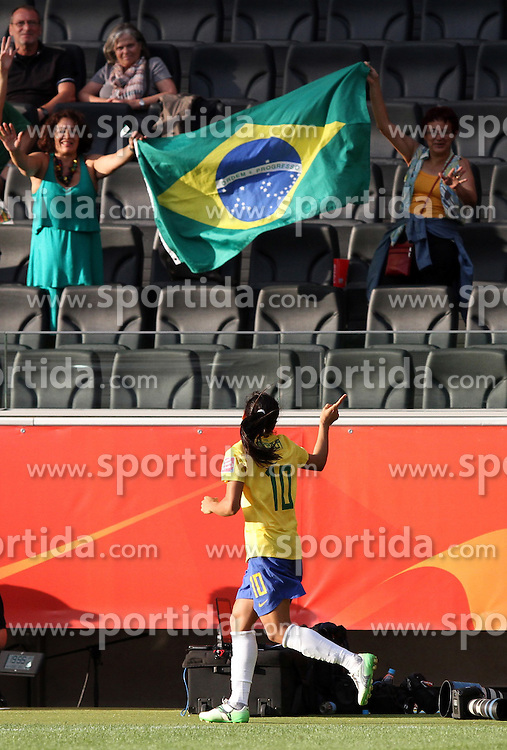 06.07.2011, Commerzbank-Arena, Frankfurt, GER, FIFA Women Worldcup 2011, Gruppe D, Äquatorial-Guinea (EQG) vs. Brasilien (BRA) ,. im Bild Marta (BRA) bedankt sich bei den Fans . // during the FIFA Women´s Worldcup 2011, Pool D, Equatorial Guinea vs Brazil on 2011/07/06, Commerzbank-Arena, Frankfurt, Germany. EXPA Pictures © 2011, PhotoCredit: EXPA/ nph/  Karina Hessland       ****** out of GER / CRO  / BEL ******