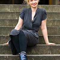 EDINBURGH, SCOTLAND - AUGUST25. Julie Delpy poses during a portrait session held at Edinburgh Book Festival on August 25, 2007  in Edinburgh, Scotland. (Photo by Marco Secchi/Getty Images).
