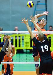 05-09-2015 NED: Volleybal vriendschappelijk Nederland - Belgie, Utrecht<br /> Nederland verliest kansloos met 3-0 van Belgie / Rob Bontje #17