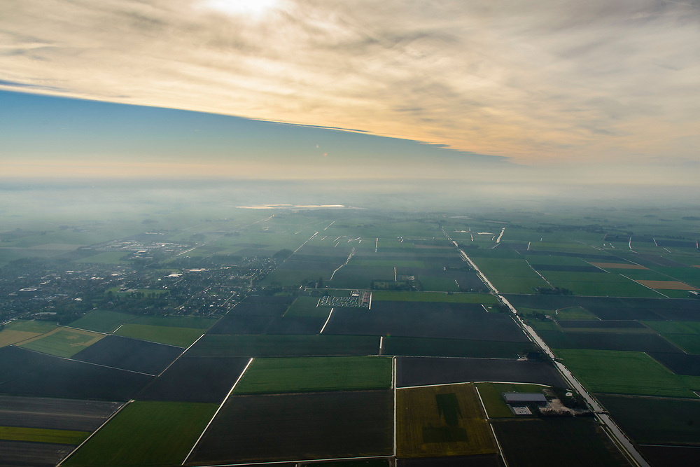 Nederland, Friesland, Het Bildt, gemeente Waadhoeke, 04-11-2018; Het Bildt ter hoogte van Nij Alltoenae, richting Sint Annaparochie.<br /> Het Bildt.<br /> luchtfoto (toeslag op standaard tarieven);<br /> aerial photo (additional fee required);<br /> copyright © foto/photo Siebe Swart