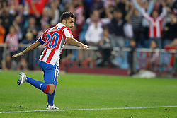 30.09.2010, Vicente Calderon Stadion, Madrid, UEFA EL, Atletico de Madrid vs Bayer 04 Leverkusen, im Bild Atletico Madrid's Simao during UEFA Europe League. EXPA Pictures © 2010, PhotoCredit: EXPA/ Alterphotos/ Cesar Cebolla +++++ ATTENTION - OUT OF SPAIN / ESP +++++