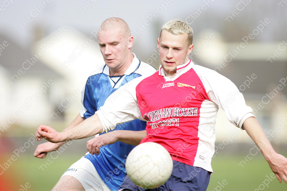 Hermitage's Robbie Downes and Kilcornan United Joey McGelligott contest the loose ball in thier meeting at the Fairgreen on Sunday. Pic. Brian Arthur/ Press 22.