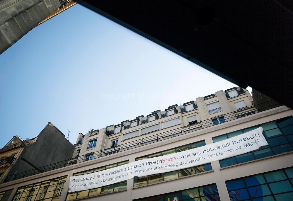 L'entreprise Prestashop d&eacute;m&eacute;nage ce mois-ci en plein coeur de Paris pour s'installer sur le parvis de la gare Saint Lazare. <br /> 1100 m carr&eacute; de locaux refaits &agrave; neuf et am&eacute;nag&eacute;s par