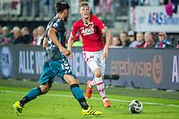 ALKMAAR - 24-09-2016, AZ - Go Ahead Eagles, AFAS Stadion, GA Eagles speler Sander Fischer, AZ speler Wout Weghorst
