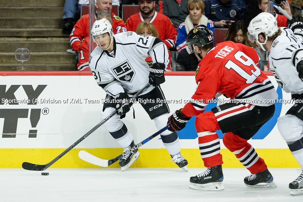 CHICAGO, IL - OCTOBER 30: Los Angeles Kings Right Wing Dustin Brown (23) looks to pass in the 1st period during an NHL hockey game between the Los Angeles Kings and the Chicago Blackhawks on October 30, 2016, at the United Center in Chicago, IL. (Photo By Daniel Bartel/Icon Sportswire)