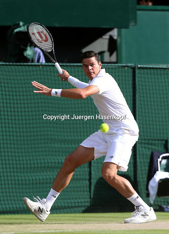 Wimbledon Championships 2014, AELTC,London,<br /> ITF Grand Slam Tennis Tournament,<br /> Milos Raonic (CAN),<br /> Aktion,Einzelbild,Ganzkoerper,Hochformat,