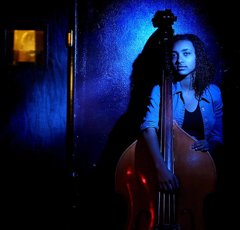 F.Esperanza112901KG01 - Esperanza Spalding a musical prodigy who play in a band called Noise For Pretend. She sings and plays upright bass, she&rsquo;s very great-looking, etc. and has received little attention so far. <br /> @2001 Portland Tribune