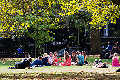 2016-09-13 Weather - Lunchtime sunshine in St James's Park