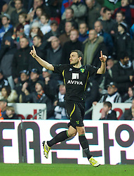 08.12.2012, Liberty Stadion, Swansea, ENG, Premier League, Swansea City vs Norwich City, 16. Runde, im Bild Norwich City's Robert Snodgrass celebrates scoring the fourth goal against Swansea City during the English Premier League 16th round match between Swansea City AFC and Norwich City FC at the Liberty Stadium, Swansea, Great Britain on 2012/12/08. EXPA Pictures © 2012, PhotoCredit: EXPA/ Propagandaphoto/ David Rawcliffe..***** ATTENTION - OUT OF ENG, GBR, UK *****