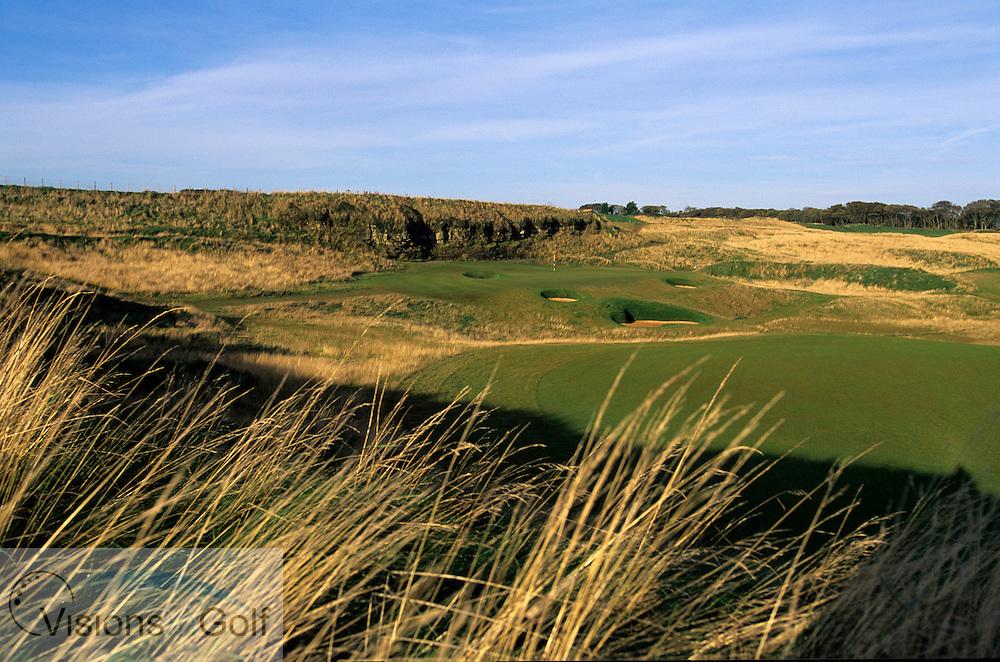 November 2000. Kingsbarns Golf Club, Scotland. Hole 13, par-three.<br /> Mandatory credit: Visions In Golf/Richard Castka