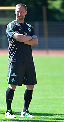 01.07.2015, Weserstadion, Bremen, GER, 1. FBL, SV Werder Bremen, Trainingsauftakt, im Bild Joern / Jörn Heineke (Athletiktrainer SV Werder Bremen) // during a Trainingssession of German Bundesliga Club SV Werder Bremen at the Weserstadion in Bremen, Germany on 2015/07/01. EXPA Pictures © 2015, PhotoCredit: EXPA/ Andreas Gumz<br /> <br /> *****ATTENTION - OUT of GER*****