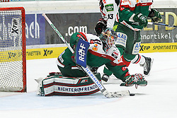 12.12.2014, Curt Fenzel Stadion, Augsburg, GER, DEL, Augsburger Panther vs Koelner Haie, 26. Runde, im Bild Torwartaktion von Chris Mason #31 (Augsburger Panther) // during Germans DEL Icehockey League 26th round match between Augsburger Panther vs Koelner Haie at the Curt Fenzel Stadion in Augsburg, Germany on 2014/12/12. EXPA Pictures © 2014, PhotoCredit: EXPA/ Eibner-Pressefoto/ Kolbert<br /> <br /> *****ATTENTION - OUT of GER*****