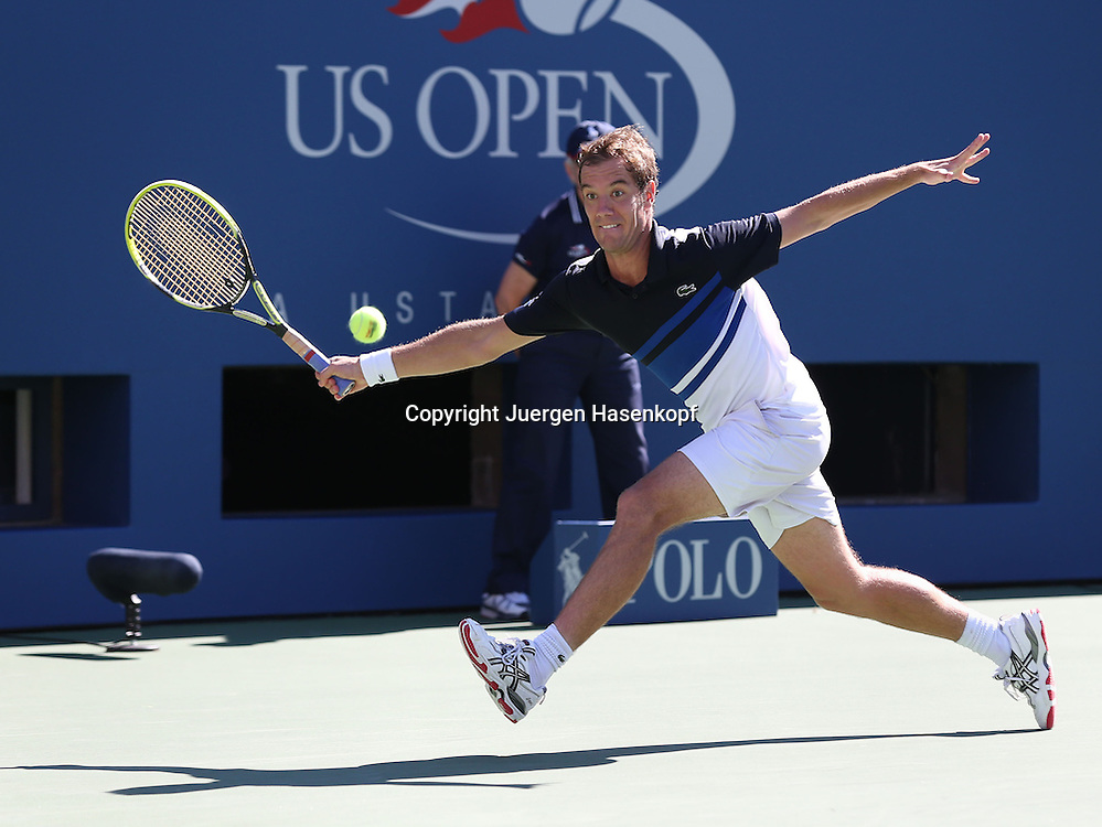US Open 2013, USTA Billie Jean King National Tennis Center, Flushing Meadows, New York,<br /> ITF Grand Slam Tennis Tournament .<br /> Richard Gasquet (FRA),Aktion,Einzelbild,<br /> Ganzkoerper,Querformat