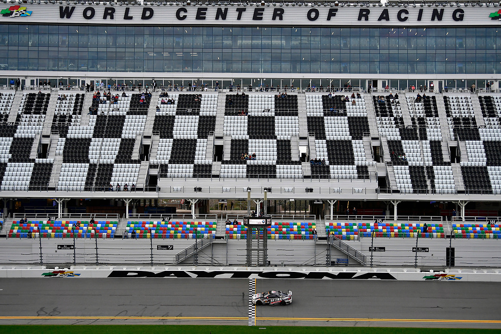 IMSA Continental Tire SportsCar Challenge<br /> BMW Endurance Challenge at Daytona<br /> Daytona Beach, Florida, USA<br /> Friday 26 January 2018<br /> #82 BimmerWorld Racing, BMW M4 GT4, GS: James Clay, Tyler Cooke<br /> World Copyright: Scott R LePage<br /> LAT Images<br /> <br /> ref: Digital Image _SRL2177