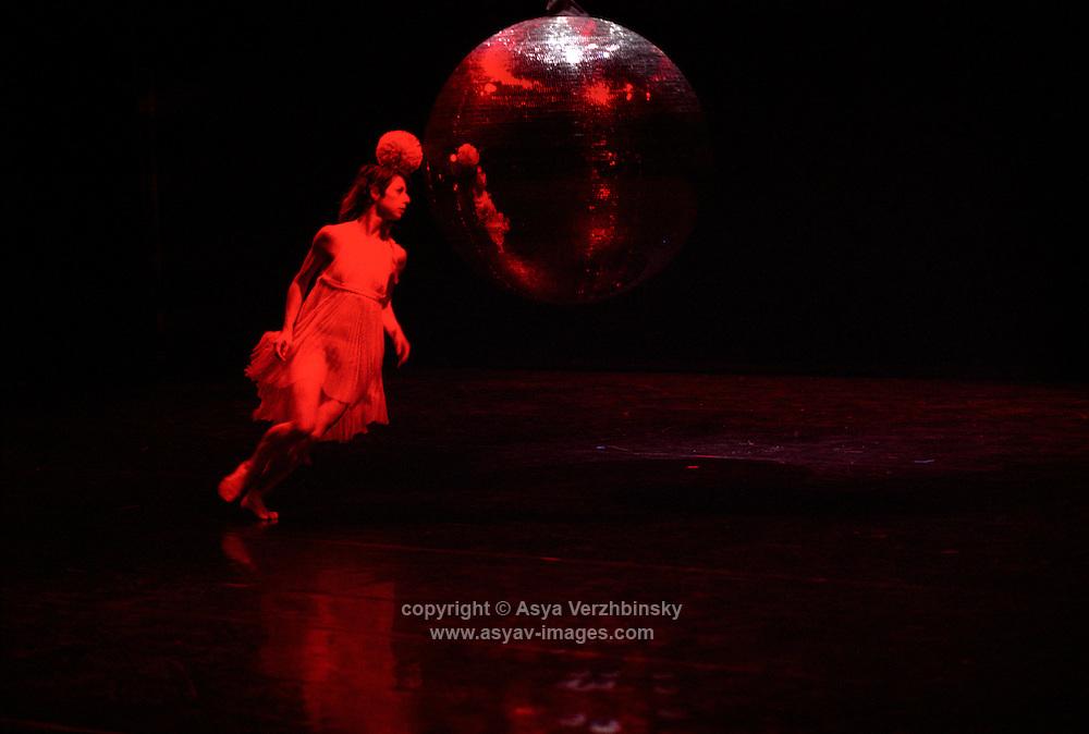 """Rambert Dance Company in """"Constant Speed"""""""