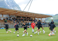 19.05.2010, Arena, Irdning, AUT, FIFA Worldcup Vorbereitung, Training England, im Bild Feature, Wischer des Trainings, EXPA Pictures © 2010, PhotoCredit: EXPA/ S. Zangrando / SPORTIDA PHOTO AGENCY
