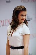 AMSTERDAM - In Tuschinski is de Nederlandse film Valention in premiere gegaan. Diversen bekende Nederlanders kwamen over de rode loper. Met hier op de foto  actrice Elise Schaap. FOTO LEVIN DEN BOER - PERSFOTO.NU
