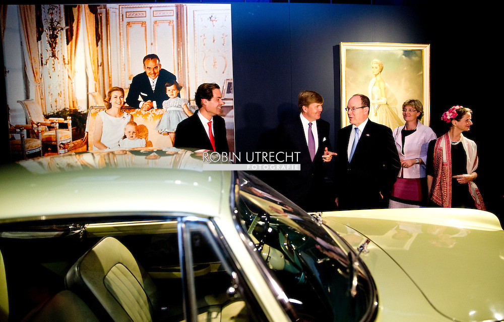 3-6-2014 - APELDOORN  -  Prince Albert II of Monaco at the loo with King Willem Alexander for the opening of the exhibition of Grace Kelly in the loo. Prince Albert II of Monaco in the Netherlands for a two-day visit. COPYRIGHT ROBIN UTRECHT