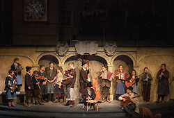 "23.11.2016, Festspielhaus, Salzburg, AUT, Salzburger Adventsingen 2016, Gib uns den Frieden, Fotoprobe, im Bild Hitamadln, Hitabuam und Theo Helm als Vogelfänger // during a photo sample for the 2016 Salzburger Adventsingen 2016 ""Give us peace"" at the Festspielhaus in Salzburg, Austria on 2016/11/23. EXPA Pictures © 2016, PhotoCredit: EXPA/ Ernst Wukits"