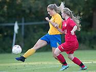 FODBOLD: Pernille Kelm (Ølstykke FC) under træningskampen mellem Ølstykke FC og BSF den 10. august 2017 på Ølstykke Idrætsanlæg. Foto: Claus Birch