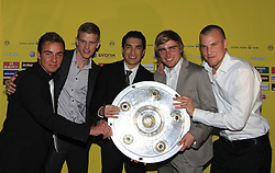 14.05.2011, U-Haus, Dortmund, GER, 1.FBL, Borussia Dortmund Meisterbankett im Bild Mario Götze , Sven Bender , Nuri Sahin , Marcel Schmelzer und Kevin Großkreutz mit  Meisterschale  //   German 1.Liga Football ,  Borussia Dortmund Championscelebration, Dortmund, 14/05/2011 . EXPA Pictures © 2011, PhotoCredit: EXPA/ nph/  Conny Kurth       ****** out of GER / SWE / CRO  / BEL ******