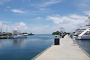 La Marina Shelter Bay encuentra en Sherman (Panamá) específicamente en Colón. ©Victoria Murillo/Istmophoto.com La marina  de Sherman Bay, ubicado en la provincia de Colon,  fue creado por los Estados Unidos en 1999. Actualmente es una marina de primera clase, cual tiene capacidad para barcos y megayates, tambien cuenta con otros servicios como el de hotel y restaurantes. Panamá. 30 de septiembre de 2011. (Victoria Murillo/Istmophoto)