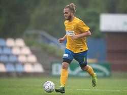 FODBOLD: Niclas Glud (Ølstykke FC) under kampen i DBU Pokalens Indledende runde mellem Ølstykke FC og Lundtofte Boldklub den 21. maj 2019 på Ølstykke Stadion. Foto: Claus Birch