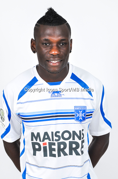 Lynel KITAMBALA  - 18.09.2013 - Photo Officielle - Auxerre -<br /> Photo : Icon Sport