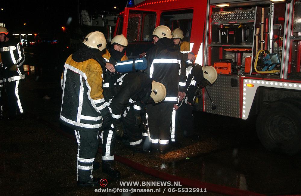 Brand jachthaven Huizer Marina Ambachtsweg Huizen, perslucht wisselen