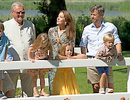 24-7-2014 -  Grasten - Queen Margrethe, Prince Henrik, Crownprince Frederik, Crownprincess Mary, Prince Christian, Princess Isabella, Prince Vincent, Princess Josephine, Prince Joachim, Princess Marie, Prince Nikolai, Prince Felix, Prince Henrik and Princess Athena pose for the media at the Palace Grasten in Grasten , Danmark, 24 July 2014. COPYRIGHT ROBIN UTRECHT