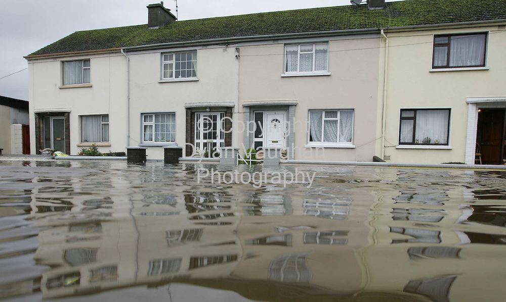 29/10/2004.Houses on McDonagh Crecent pictured under water in Clonmel yesterday.Pictture Dylan Vaughan