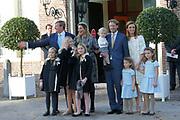 Doop Willem Jan ( 01-07-2013), zoon van Prins Floris en Prinses Aimee oppaleis het Loo<br /> <br /> Christening of Willem Jan ( 01-07-2013), son of Prince Floris and Princess Aimee on palace het Loo<br /> <br /> Op de foto / On the photo: Prins Floris en Prinses Aimee, met dochters Magali en Eliane en hun zoon Willem Jan met Koning Willem-Alexander en Koningin Maxima en Prinses Amalia en Prinses Alexia en Prinses Ariane<br /> <br /> Prince Floris and Princess Aimee, with daughters Magali and Eliane and their son Willem Jan with King Willem-Alexander and Princess Maxima and Queen Amalia and Princess Alexia and Princess Ariane