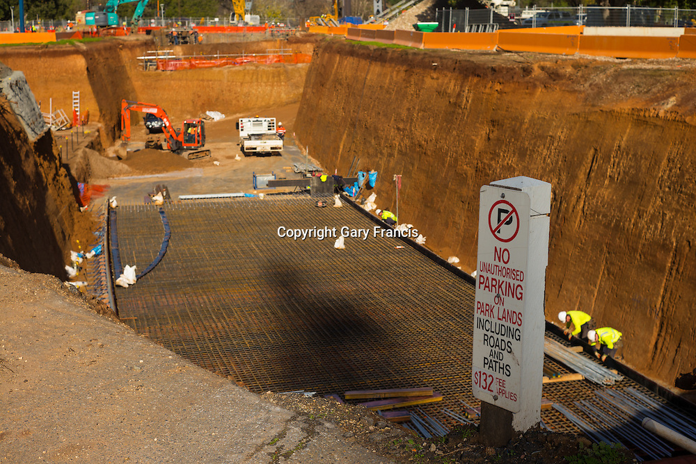O-Bahn City Access Project construction by MacDow, Adelaide, Australia - images taken on the 28 June 16