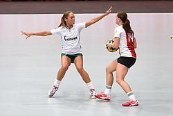 11-04-2015 NED: PKC SWKgroep - TOP Quoratio, Rotterdam<br /> Korfbal Leaguefinale in een volgepakt Ahoy wordt gewonnen door PKC met 22-21 / Mady Tims, Rianne Echten