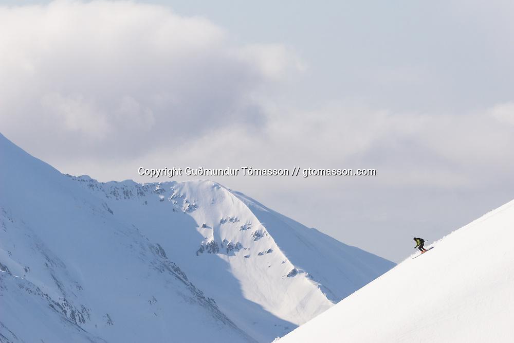 Damian skiing down mt. Lambárhnjúkur 1027m. Hvalvatnsfjörður, Iceland.