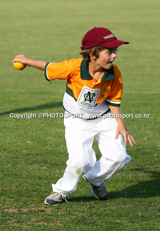 Kids in action, National Cricket Club (NCC) day, Nelson Park, Napier. Monday 2 March 2009, Photo: John Cowpland/PHOTOSPORT