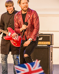The Kaiser Chiefs perform at National Olympic Heroes Parade in Manchester<br /> <br /> (c) John Baguley | Edinburgh Elite media