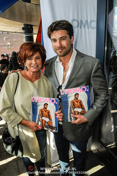NLD/Amsterdam/20150420 - Presentatie L'Homo 2015, Rick Brandsteder en zijn moeder Yvonne Brandsteder - Baggen