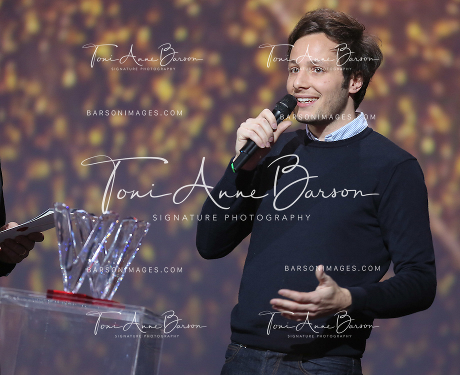 "PARIS, FRANCE - FEBRUARY 10:  Vianney receives award during the ""32nd Victoires de la Musique 2017"" at Le Zenith on February 10, 2017 in Paris, France.  (Photo by Tony Barson/FilmMagic)"