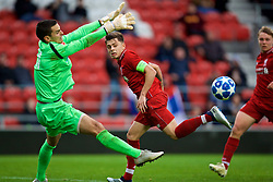 ST HELENS, ENGLAND - Wednesday, October 24, 2018: Liverpool's captain Adam Lewis sees his rebound header saved by FK Crvena zvezda's goalkeeper Miloš Gordić after missing a penalty-kick during the UEFA Youth League Group C match between Liverpool FC and FK Crvena zvezda at Langtree Park. (Pic by David Rawcliffe/Propaganda)