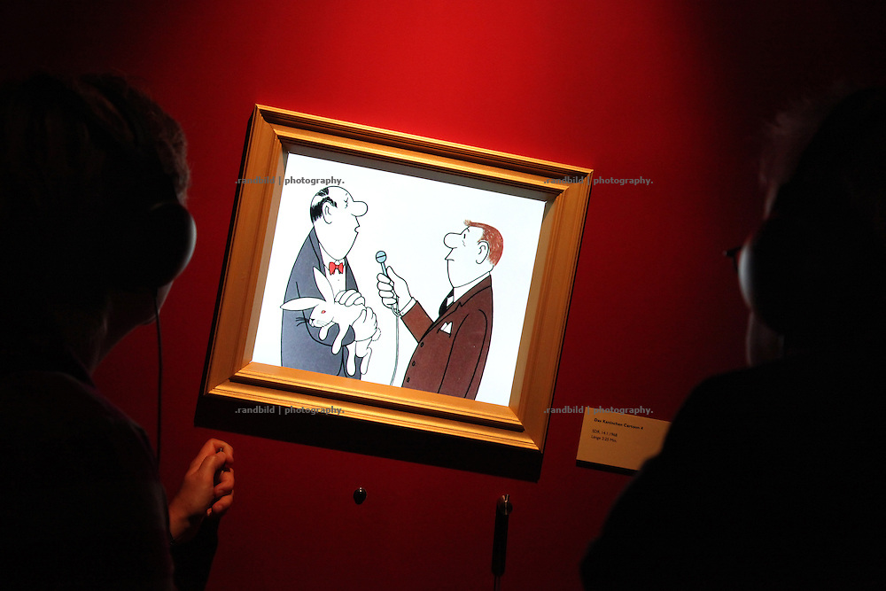 """Ein Loriot-Ausstellung im Museum für Kunst und Gewerbe während der """"Langen Nacht der Museen"""" in Hamburg. A Exhibition of german comedian Loriot in the museum of art and trade during the """"long night of museums"""" in Hamburg."""