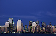 New York Downtown Manhattan cityscape , without the towers of the World trade center on Hudson river view from Grundy park exchange place New jersey at sunset  New York  Usa /   Downtown Manhattan, sans les tours du world trade center apres l'attaque , vue depuis le Grundy Park, exchange place New jersey au coucher du soleil  New York  USa
