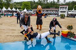 Haßmann Felix (GER), Sosath Hendrik (GER), Wernke Jan (GER)<br /> Balve - Longines Optimum 2019<br /> Meisterbad<br /> Impressionen Abreiteplatz<br /> LONGINES Optimum Preis<br /> Deutsche Meisterschaft der Springreiter<br /> Finalwertung<br /> 16. Juni 2019<br /> © www.sportfotos-lafrentz.de/Stefan Lafrentz