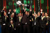 "20091207: RIO DE JANEIRO, BRAZIL - Brazilian Football Awards 2009 (""Craque Brasileirao 2009""), held at the Museum of Modern Art in Rio de Janeiro. In picture: goalkeeper Bruno (Flamengo) receives the trophy of the Brazilian League Championship, won by Flamengo. PHOTO: CITYFILES"