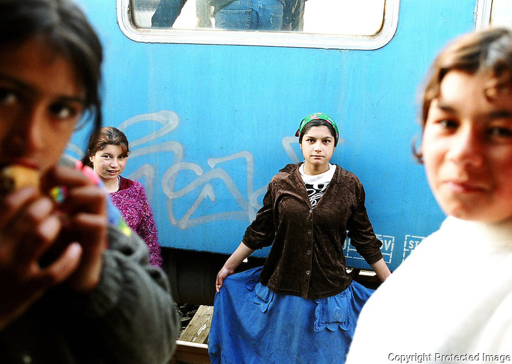 Roma girls at Targu Mures station say goodbye.